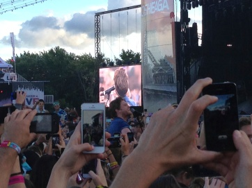 Lumineers Singer in the Crowd